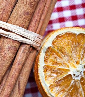 Orange und Zimt