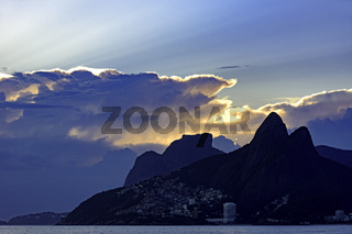 Cloudy sunset at Ipanema beach