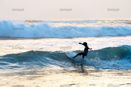 Man surf in the ocean