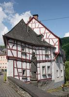 Traditionelle Fachwerkhäuser in Monreal, Eifel, Deutschland