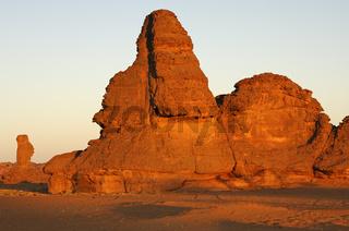 Bizarre Felsformationen im Akkakus Gebirge