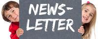 Newsletter bestellen im Internet Marketing Kampagne kleine Kinder Schild