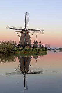 Historische WindmŸhlen, UNESCO Weltkulturerbe, Kinderdijk, Provinz SŸdholland, Niederlande, Europa