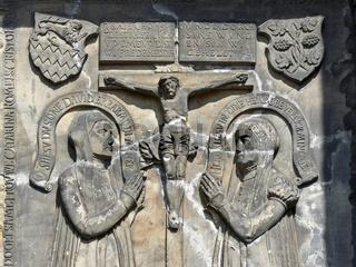 Steinrelief - Jesus am Kreuz