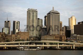 Brisbane River und die Skyline von Brisbane