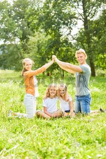 Zukunft mit Eigenheim für die ganze Familie