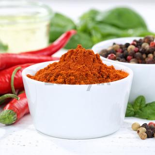 Paprika Pulver scharf Paprikapulver rote scharfe Peperoni kochen Zutaten Quadrat