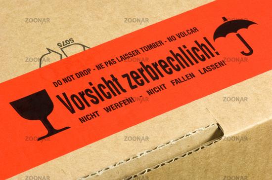 Foto Paket Mit Aufkleber Vorsicht Zerbrechlich Bild 1846452