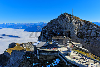 Hotel Pilatus Bellevue am Gipfel Esel, Bergmassiv Pilatus, Wolkenmeer über dem Vierwaldstädter See