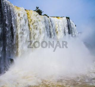 The complex of waterfalls of Iguazu