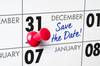 Wall calendar with a red pin - December 31