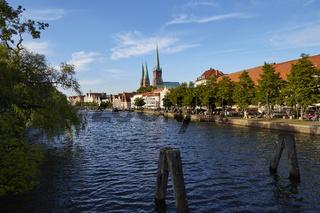 Lübeck, Stadtansicht mit Malerwinkel und Kirchen