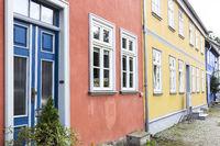 Bunte Häuserfassaden in Neubrandenburg, Ostdeutschland