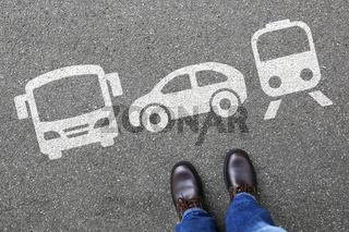 Bahn Zug Auto Bus Mann Mensch Wahl Auswahl Mobilität Reise reisen Verkehr