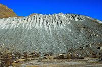 Bodenerosion an einem Berghang, Zermatt, Wallis, Schweiz