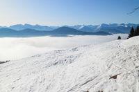 Skispuren in den Bergen