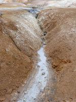 Heiße Quelle am Vulkan Leirhnjúkur in Island