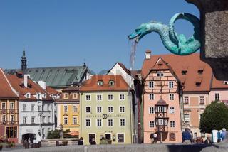 Brunnen und Marktplatz