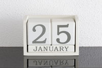 White block calendar present date 25 and month January
