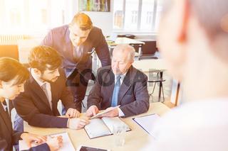 Business Team Meeting für Planung im Büro
