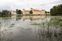 Schloss Rheinsberg am Grienericksee in Brandenburg