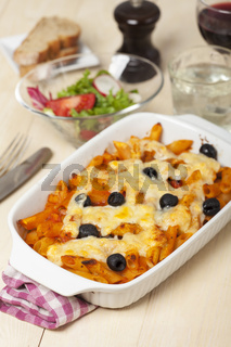 Rigatoni mit Oliven and Wein