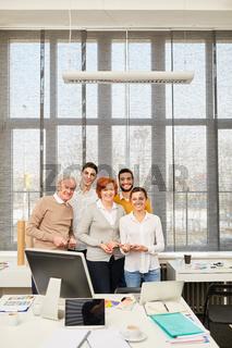 Gruppe Geschäftsleute im Büro der Firma