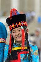 Mädchen in traditioneller Deel-Kleidung,Festival der mongolischen Nationaltracht, Ulanbator, Mongole