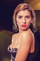 Vogue Style Portrait von einer zarten blonde Frau