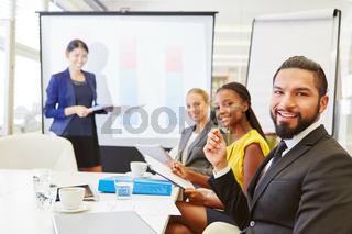 Business Start-Up Team in einem Meeting