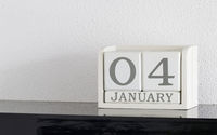 White block calendar present date 4 and month January