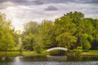 Woerlitzer Park, white bridge and lake