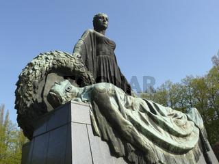 Statue Mutter Heimat im Sowjetischen Ehrenmal Schoenholz