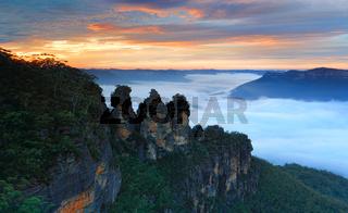 Scenic sunrise Three Sisters Echo Point Blue Mountains Australia