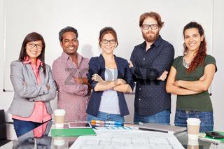 Startup Team steht selbstbewusst