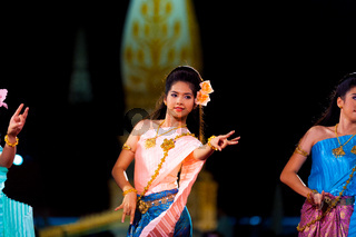 Thailand Female Traditional Dancing Fingers Pinch