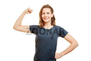 Starke junge Frau als Personal Trainer