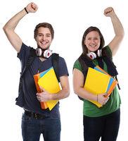Studenten Erfolg erfolgreich Freude glücklich jung lachen Freisteller