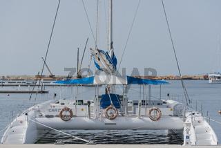 Katamaran Boot in der Marina Varadero, Kuba
