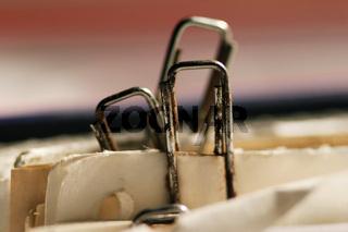Verrrostete Büroklammer - paper clip