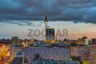 Downtown Berlin mit dem berühmten Fernsehturm