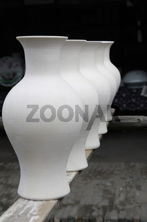 drying porcelain vase blanks