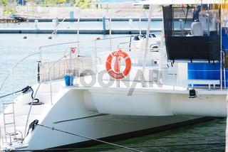 Katamaran Boot im Hafen von Varadero, Kuba