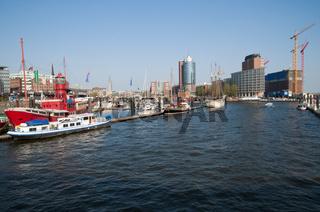 Blick auf die Kehrwiederspitze und die Baustelle der Elbphilharmonie Hamburg