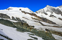Seilbahnstation Felskinn vor dem Alphubel und den Mischabelhörnern, Saas-Fee, Wallis, Schweiz