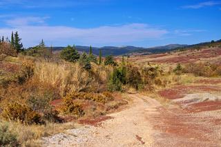 Lac du Salagou Badlands in Frankreich - Badlands near Lac du Salagou in France, Languedoc-Roussillon