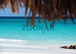 Weißer Strand mit Türkis Wasser auf Kuba Varadero
