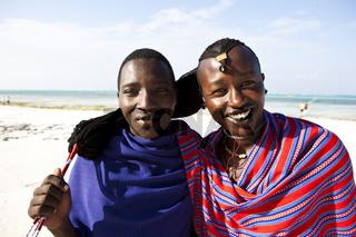 Krieger der Massai am Strand