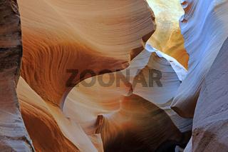 Gesteinsformen, Farben und Strukturen im Antelope Slot Canyon, USA