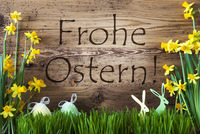 Egg And Bunny, Gras, Frohe Ostern Means Happy Easter